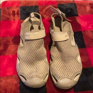 Crocs water shoes NWT size 9